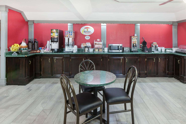 proam - Super 8 Hotel Kingsville