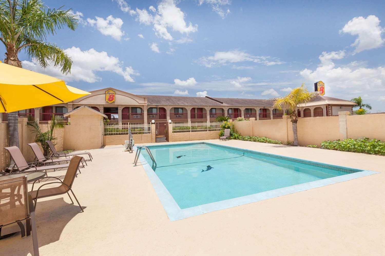 Pool - Super 8 Hotel Kingsville
