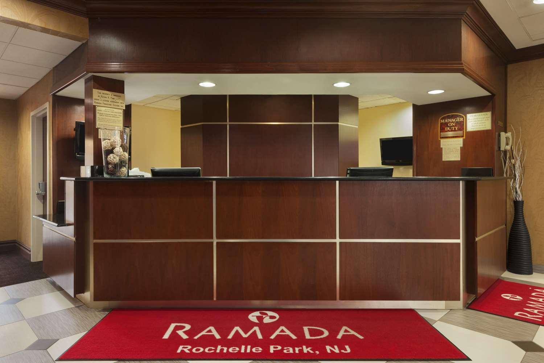 Lobby - Ramada Inn Rochelle Park
