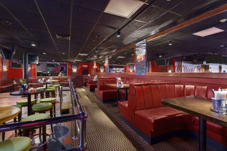 Restaurant - Ramada Inn Rochelle Park