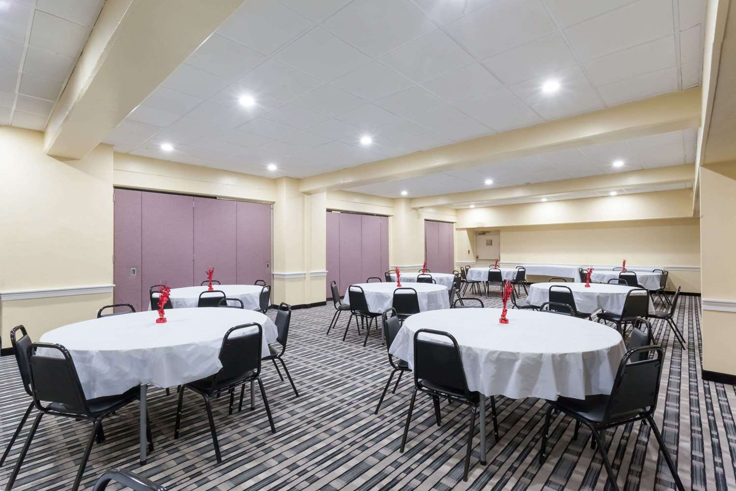 Meeting Facilities - Days Inn Hotel Chester