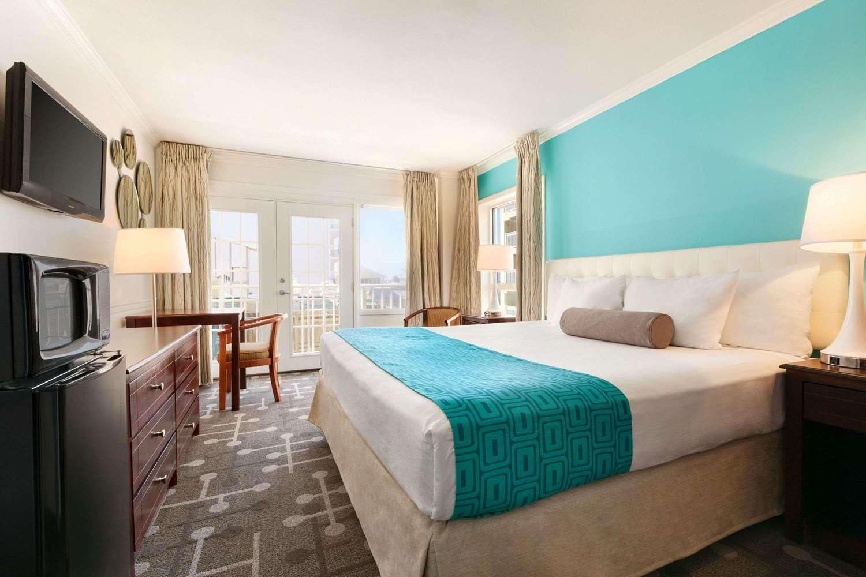 Room - Howard Johnson Oceanfront Hotel Ocean City