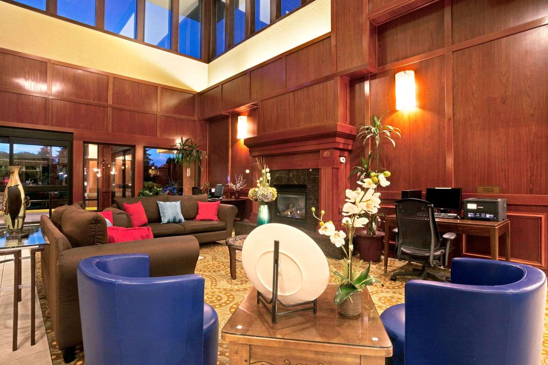 Lobby - Ramada Inn SeaTacAirport Tukwila