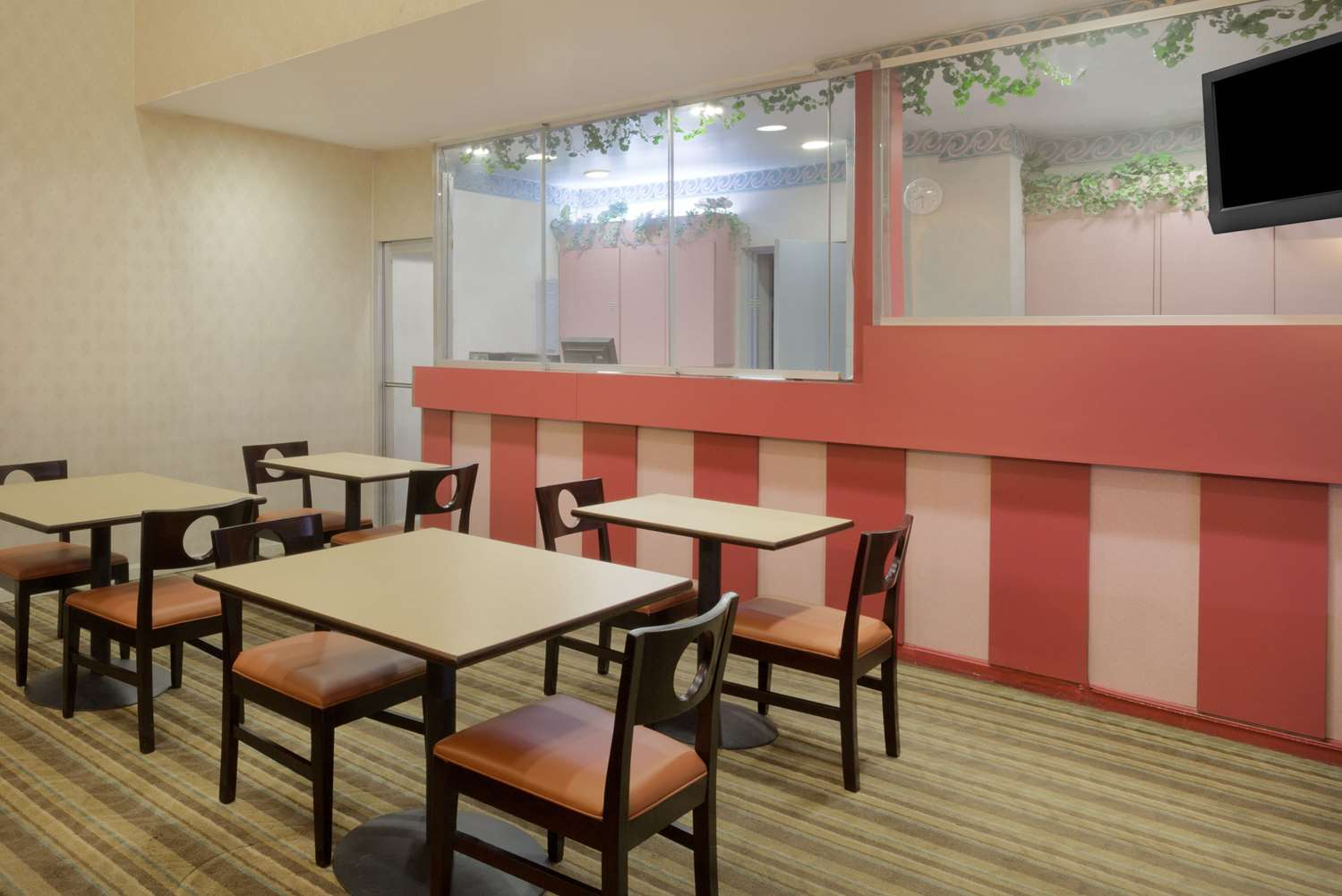 Lobby - Howard Johnson Express Inn DC