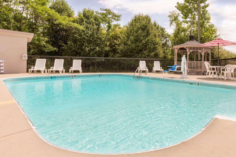 Pool - Ramada Hotel Pelham