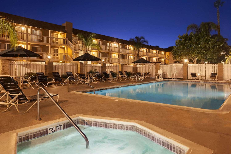 Pool - Ramada Hotel Costa Mesa