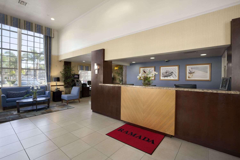 Lobby - Ramada Hotel Costa Mesa