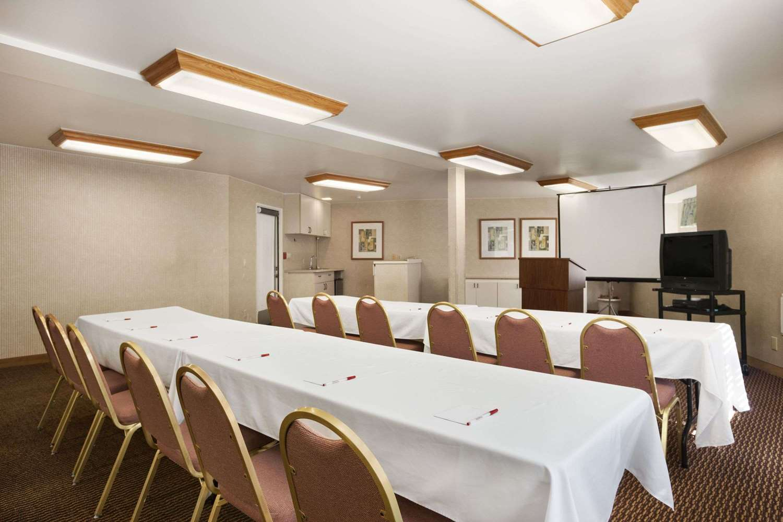Meeting Facilities - Ramada Hotel Costa Mesa