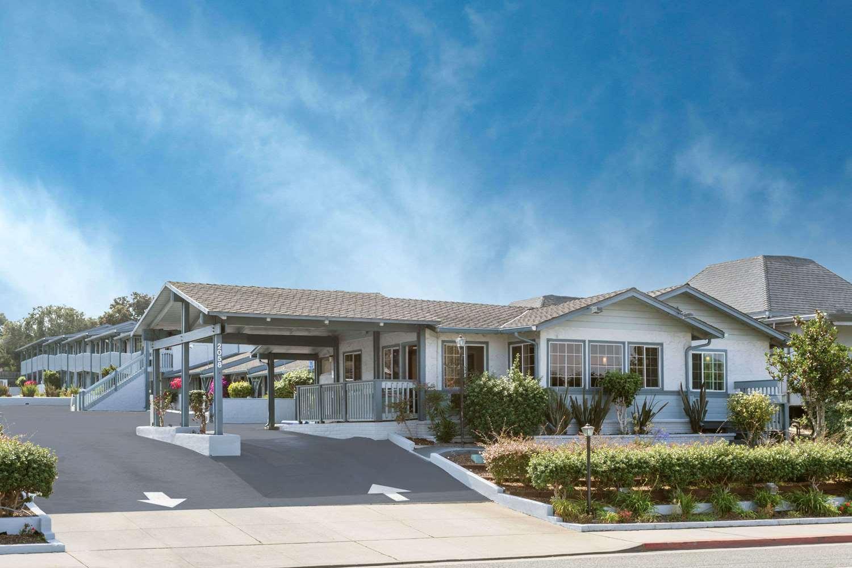 Exterior view - Ramada Hotel Monterey