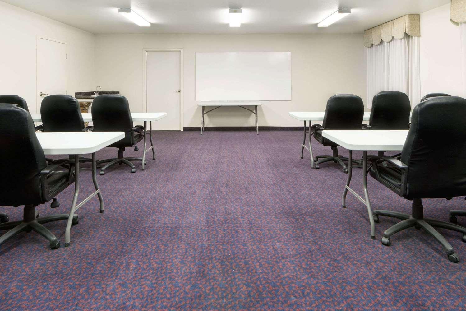 Meeting Facilities - Days Inn Dalhart