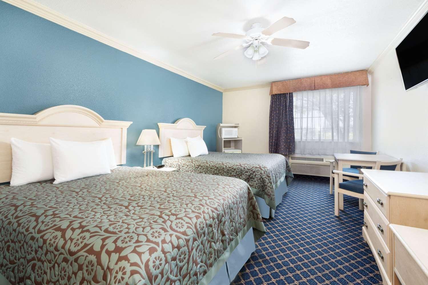 Room - Days Inn Dalhart