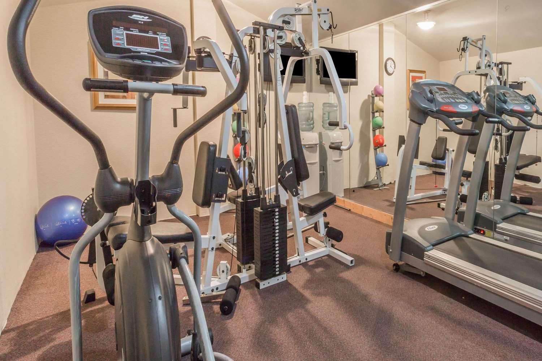 Fitness/ Exercise Room - Days Inn Camp Springs