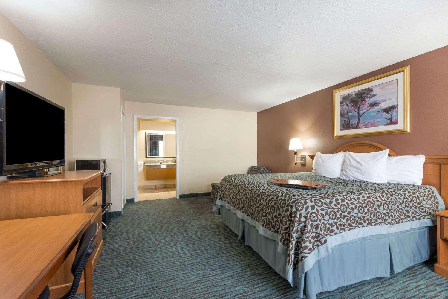 Room - Days Inn New Braunfels