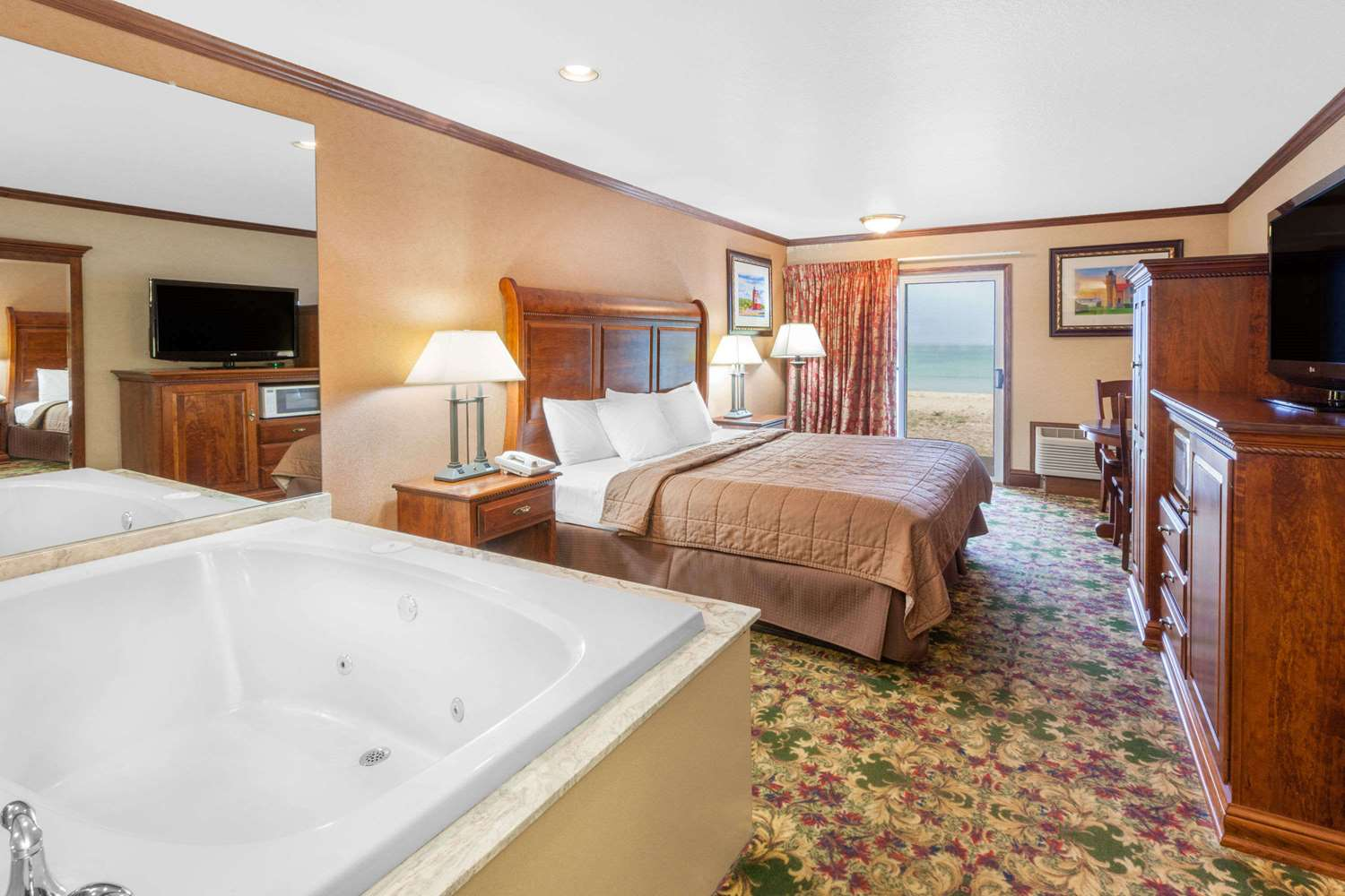 Suite - Ramada Limited Hotel Waterfront Mackinaw City