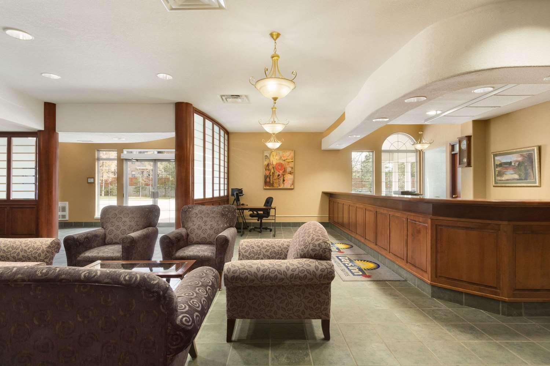 Lobby - Days Inn Guelph