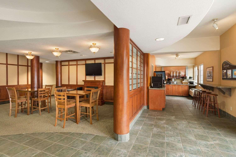 Restaurant - Days Inn Guelph