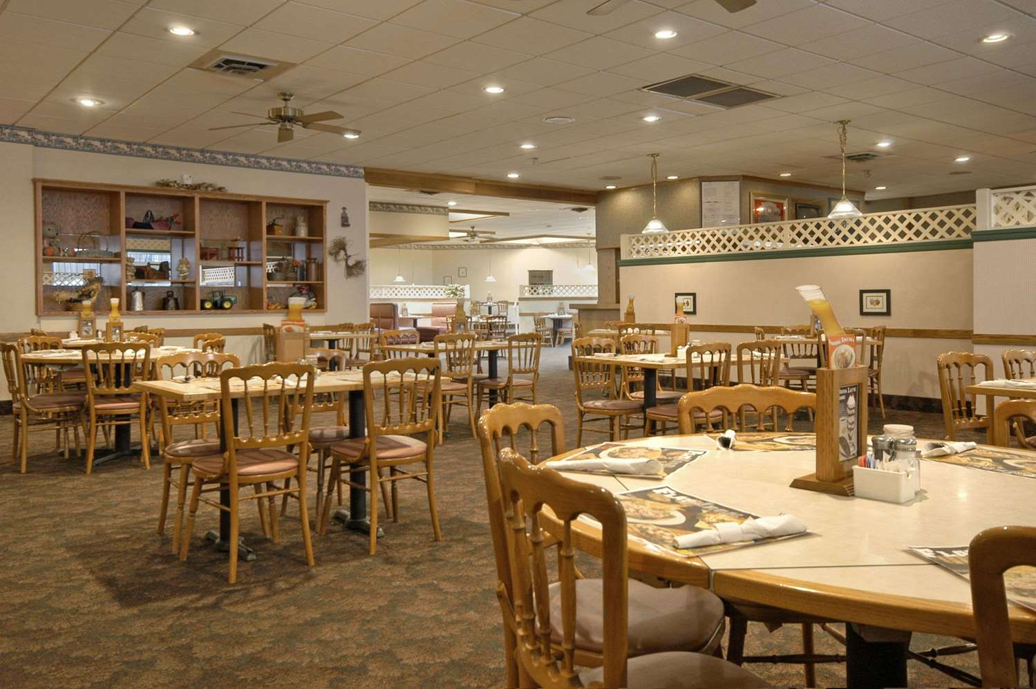 Restaurant - Ramada Inn Sterling