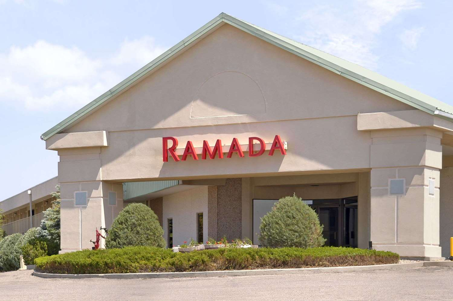 Exterior view - Ramada Inn Sterling