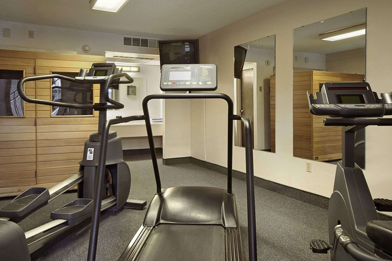Fitness/ Exercise Room - Ramada Inn Sterling