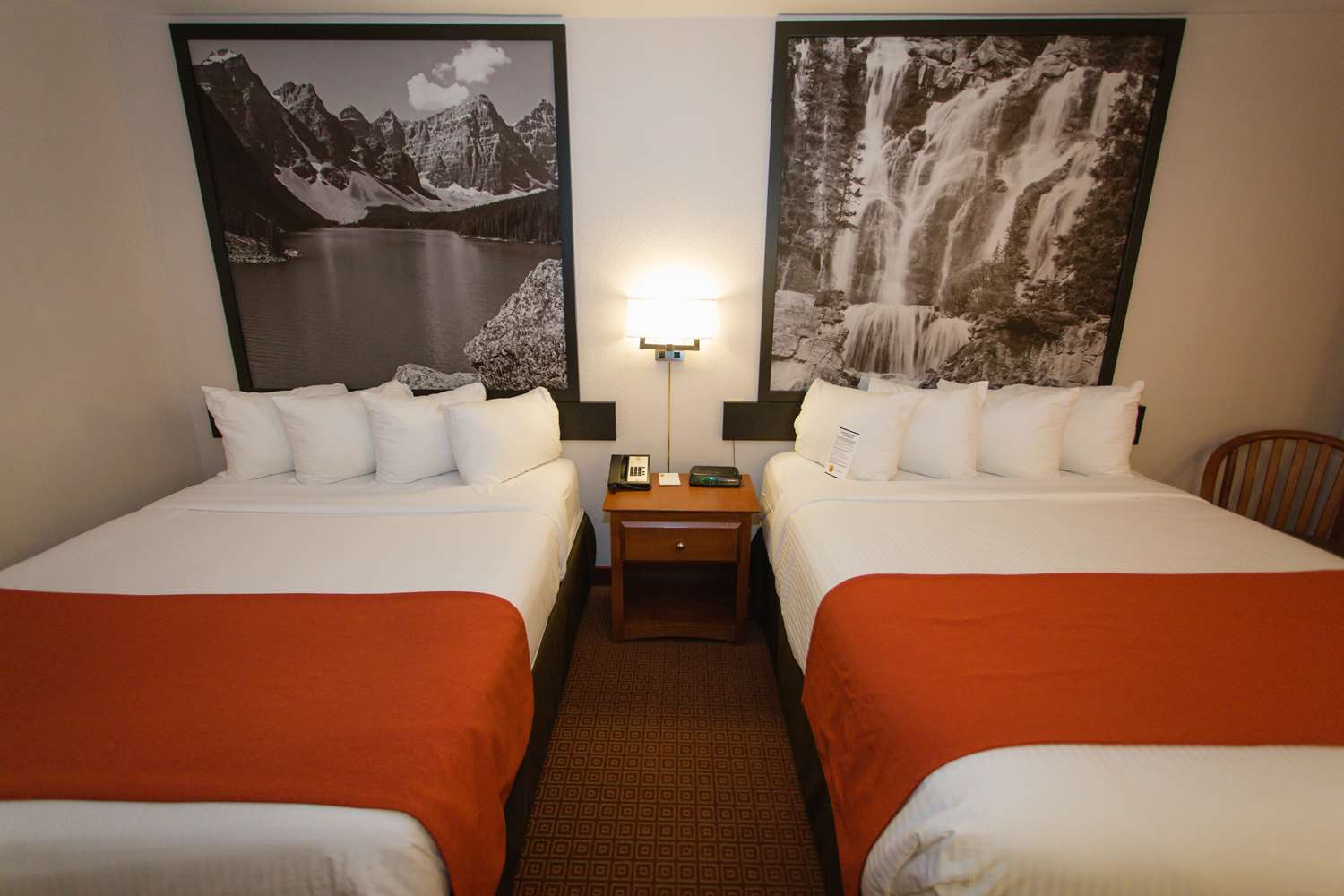 Room - Super 8 Hotel Drayton Valley