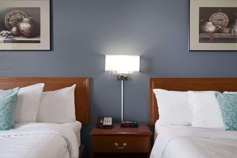 Room - Super 8 Hotel Whitecourt
