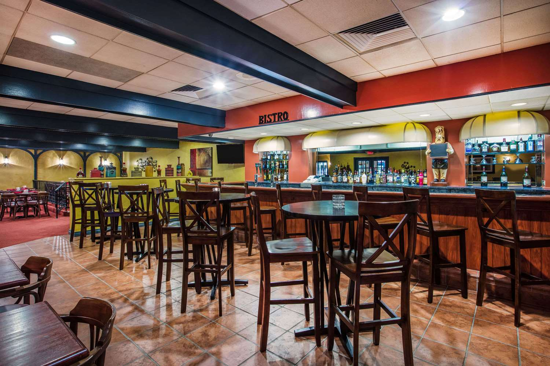 Bar - Ramada Inn at Historic Ligonier