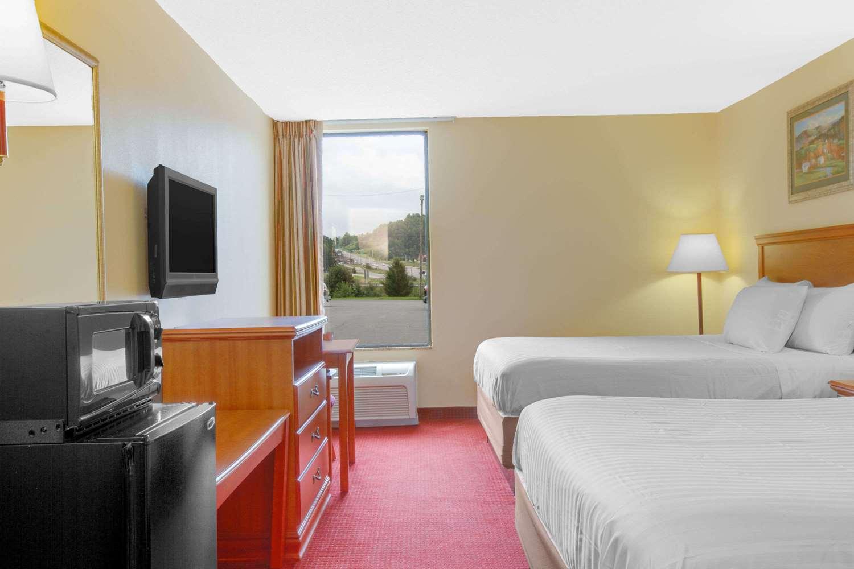 Room - Days Inn Mt Hope