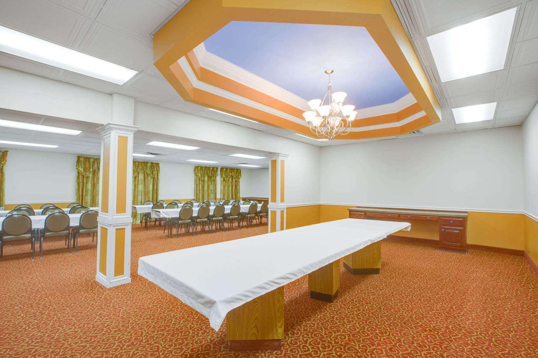 Meeting Facilities - Days Inn Mt Hope