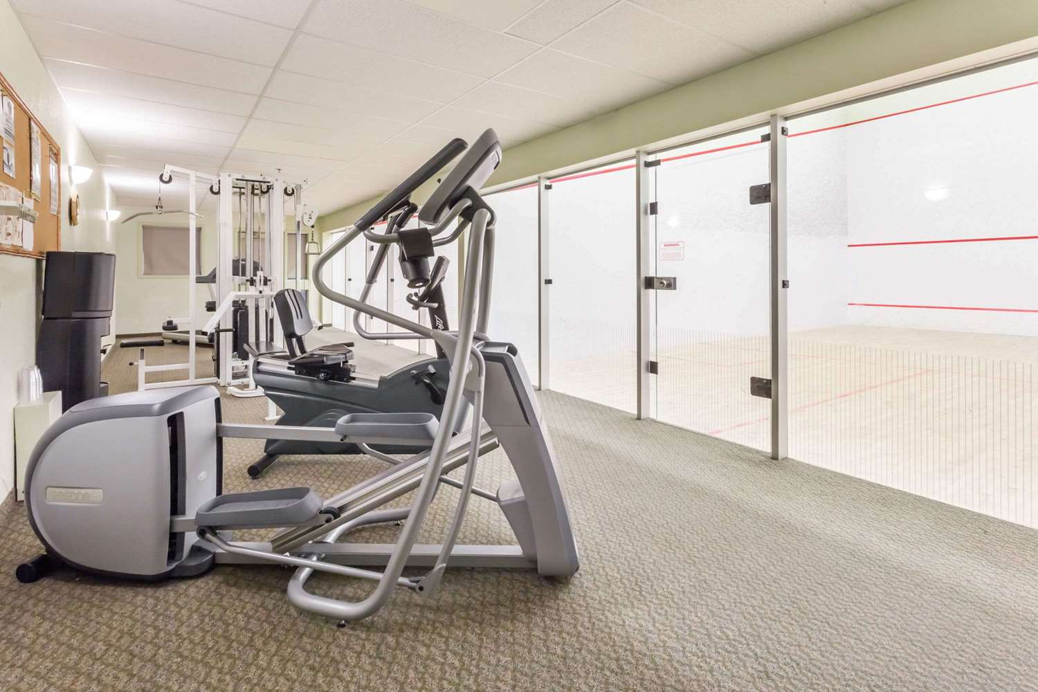 Fitness/ Exercise Room - Super 8 Hotel Dauphin