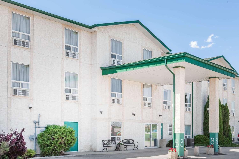 Exterior view - Super 8 Hotel Dauphin