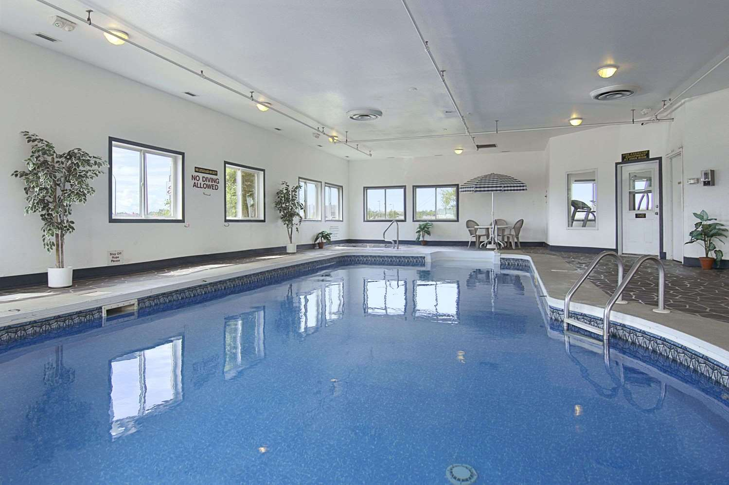 Pool - Super 8 Hotel Swift Current