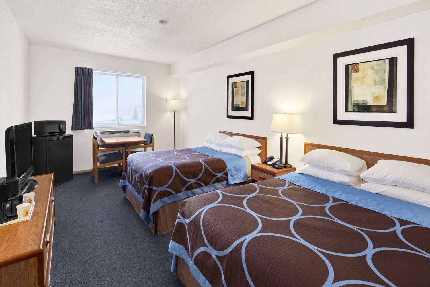 Room - Super 8 Hotel Swift Current