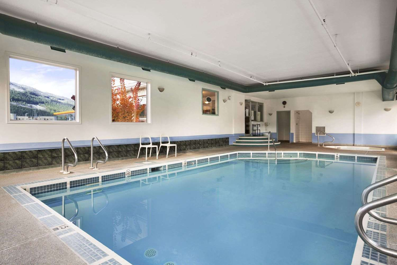 Pool - Super 8 Hotel Revelstoke