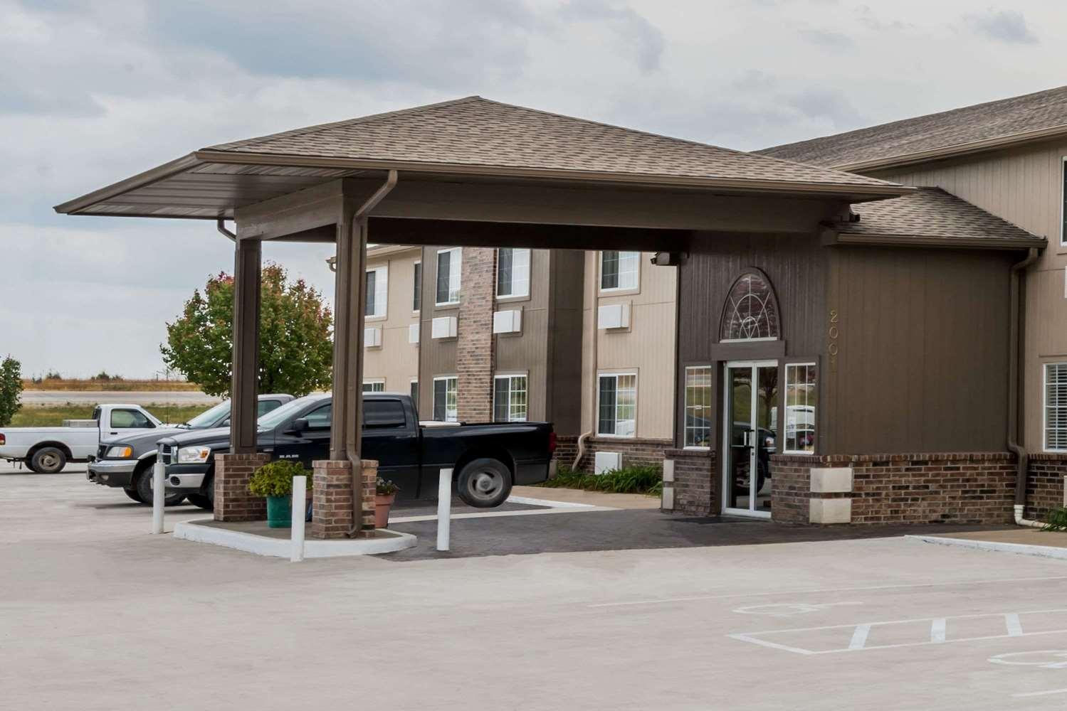 Exterior view - Super 8 Hotel Gardner