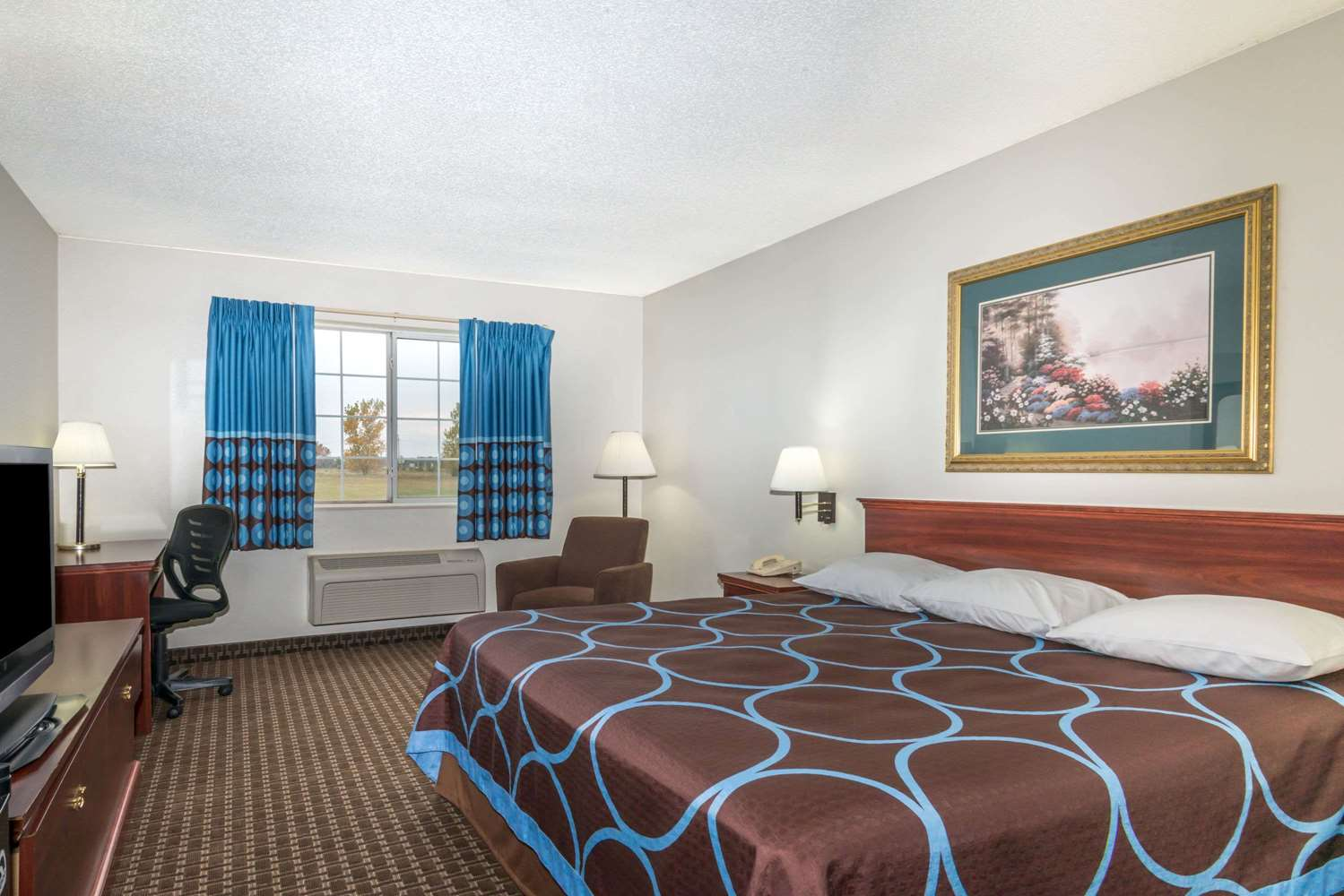 Room - Super 8 Hotel Gardner