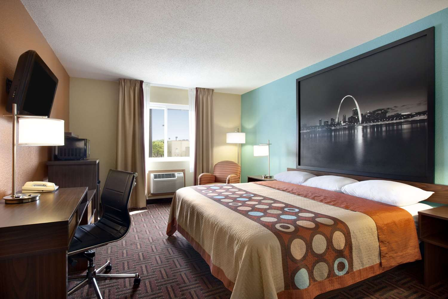 Room - Super 8 Hotel Fairview Heights