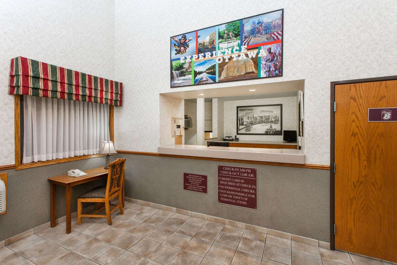 Lobby - Super 8 Hotel Ottawa