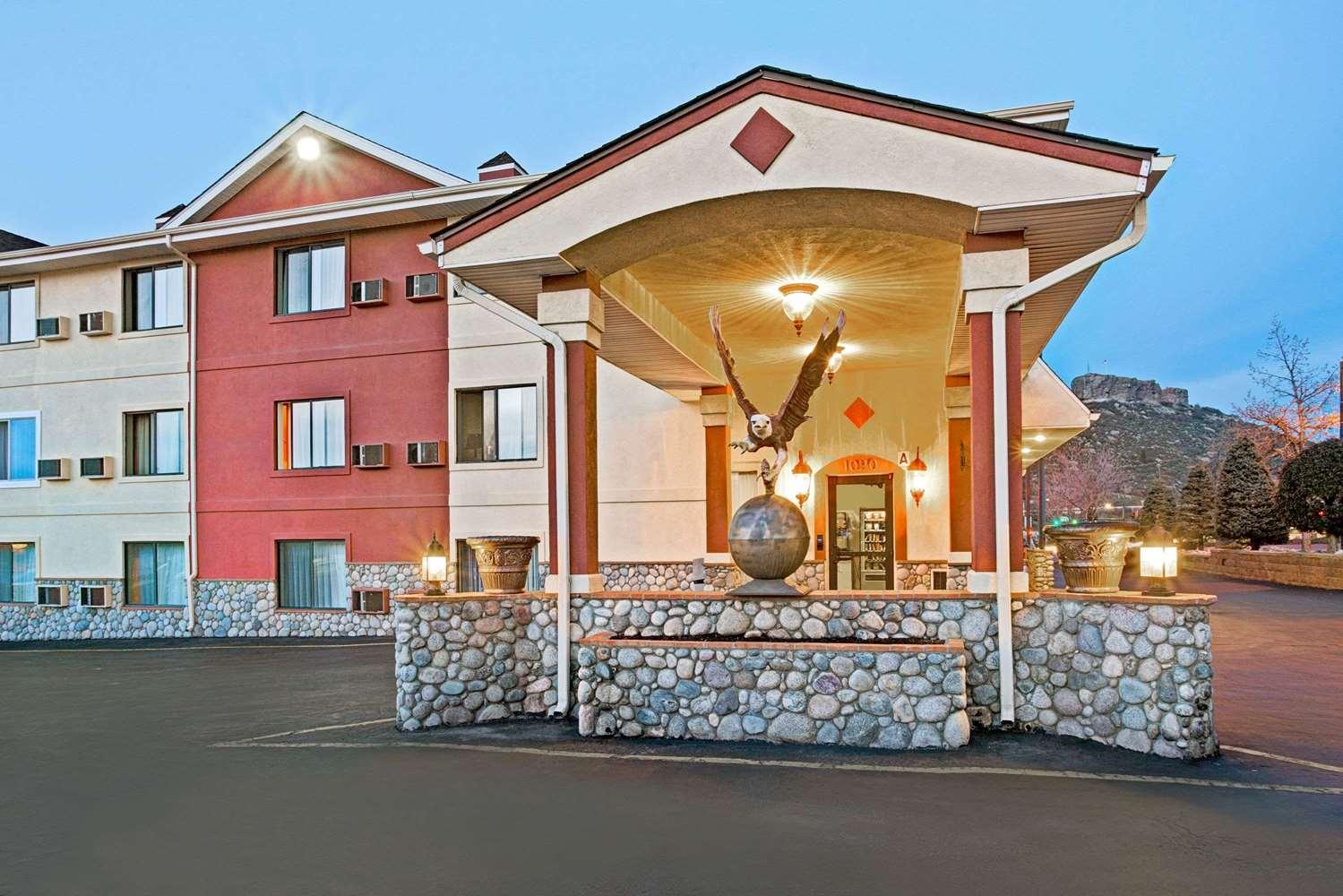 Exterior view - Super 8 Hotel Castle Rock