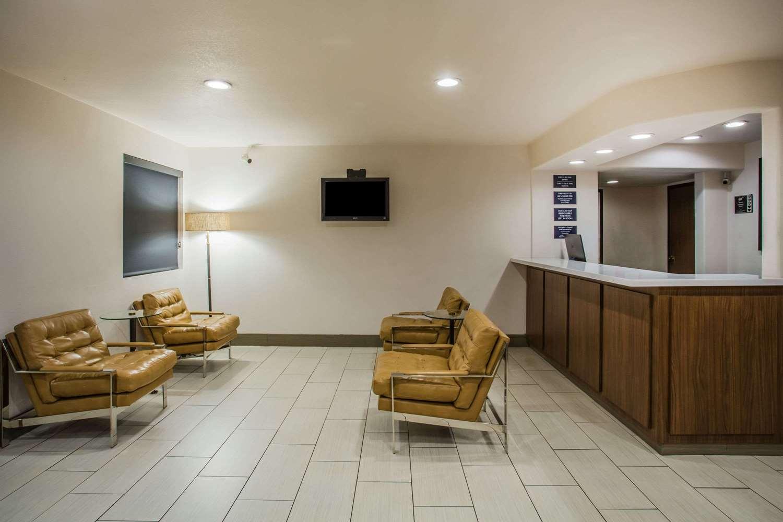 Lobby - Super 8 Hotel I-40 Loop Flagstaff