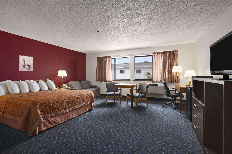 Room - Super 8 Hotel Arcata
