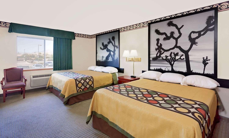 Room - Super 8 Hotel Yucca Valley