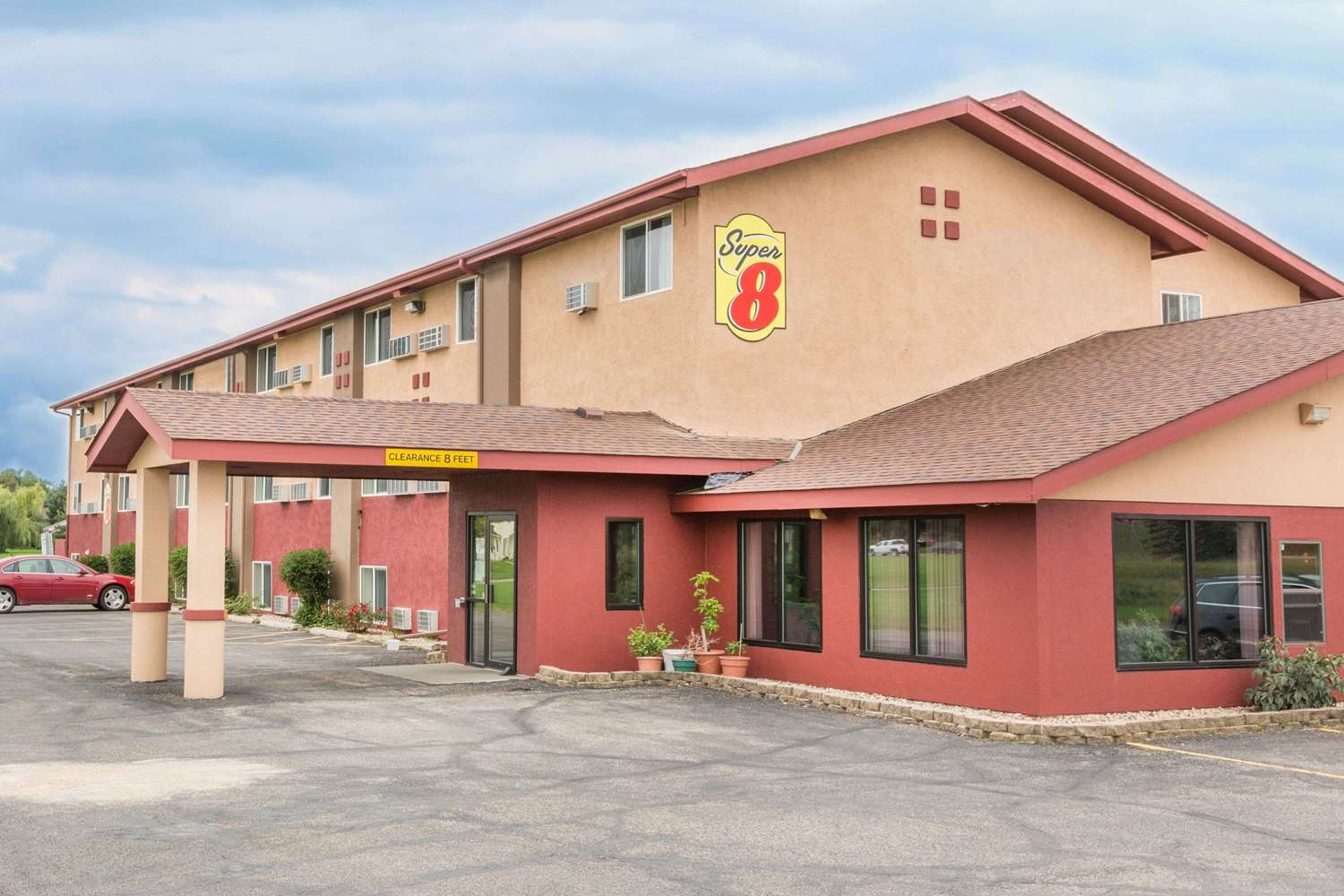 Exterior view - Super 8 Hotel Worthington