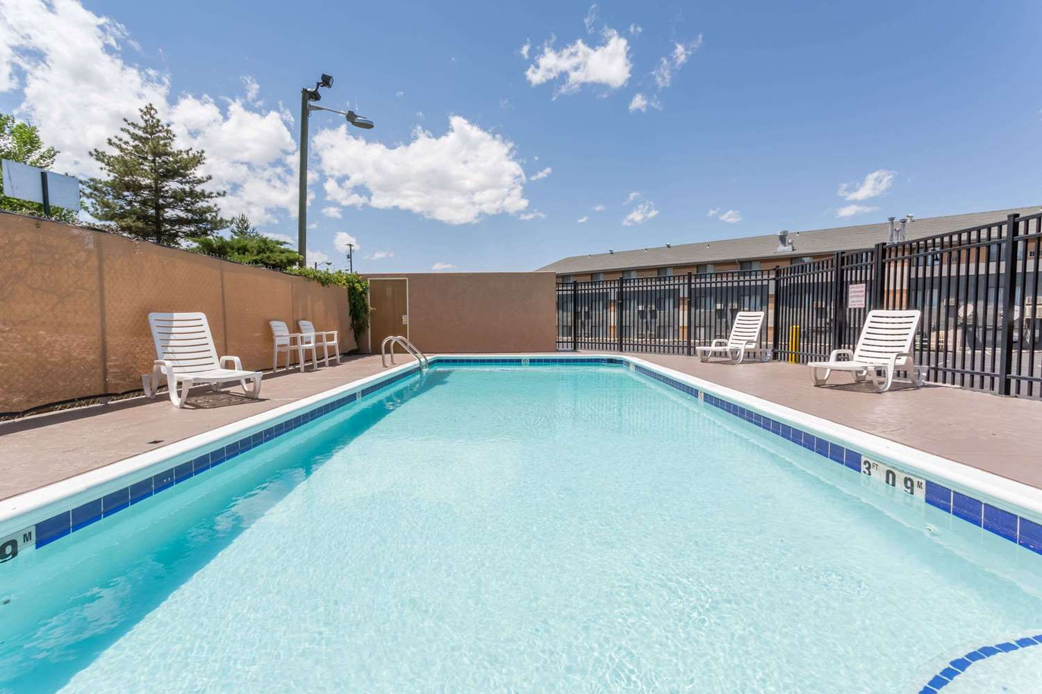 Pool - Super 8 Hotel Grand Junction