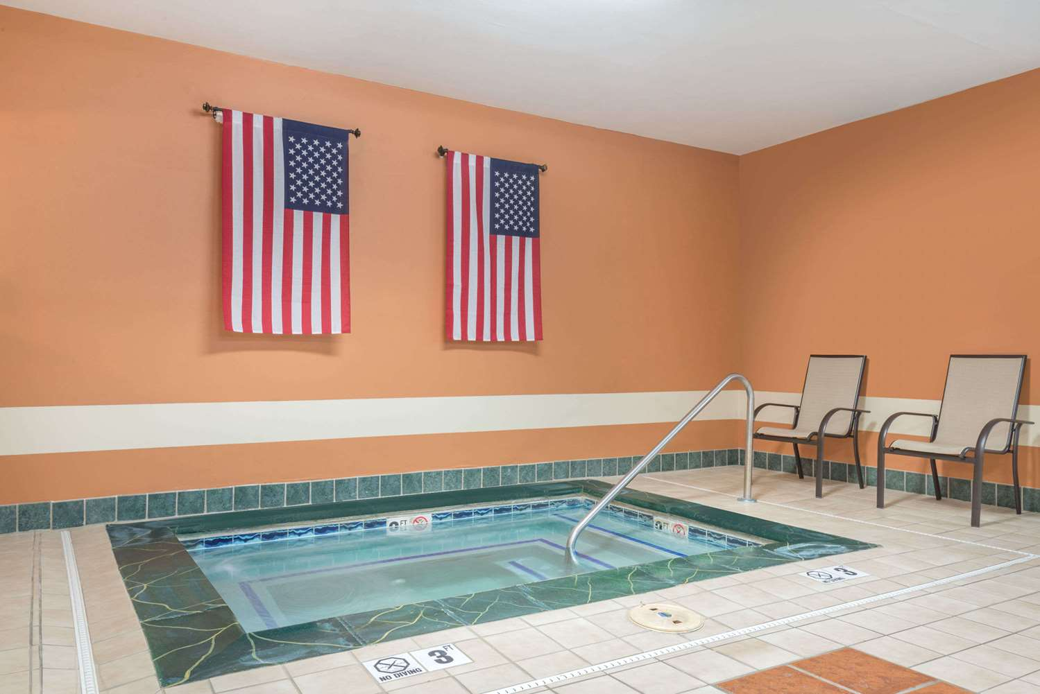 Pool - Ramada Limited Hotel Catlettsburg