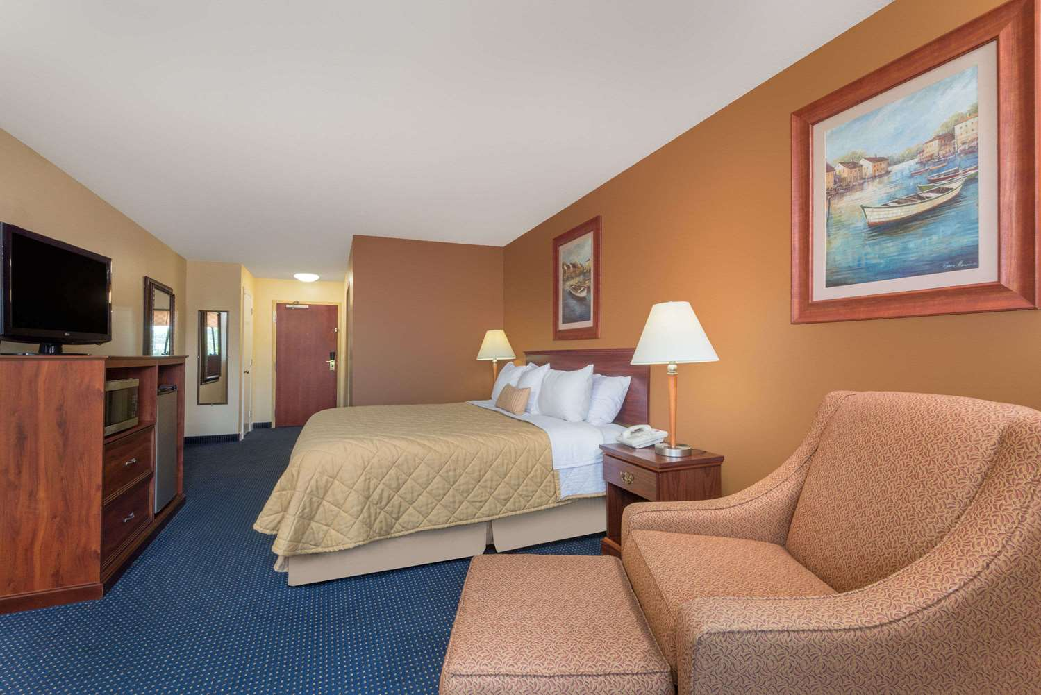 Room - Ramada Limited Hotel Catlettsburg