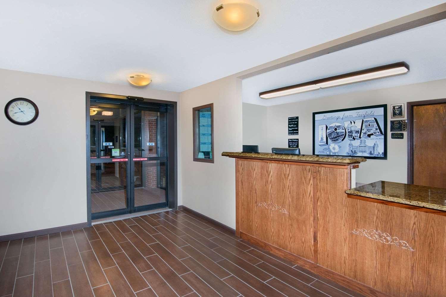 Lobby - Super 8 Hotel Fairfield