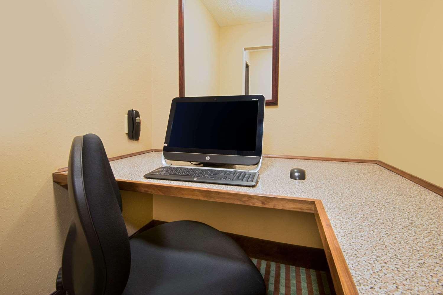Conference Area - Super 8 Hotel Fairfield