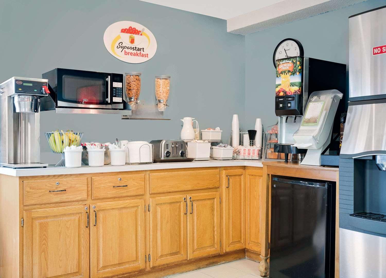 proam - Super 8 Hotel Long Prairie