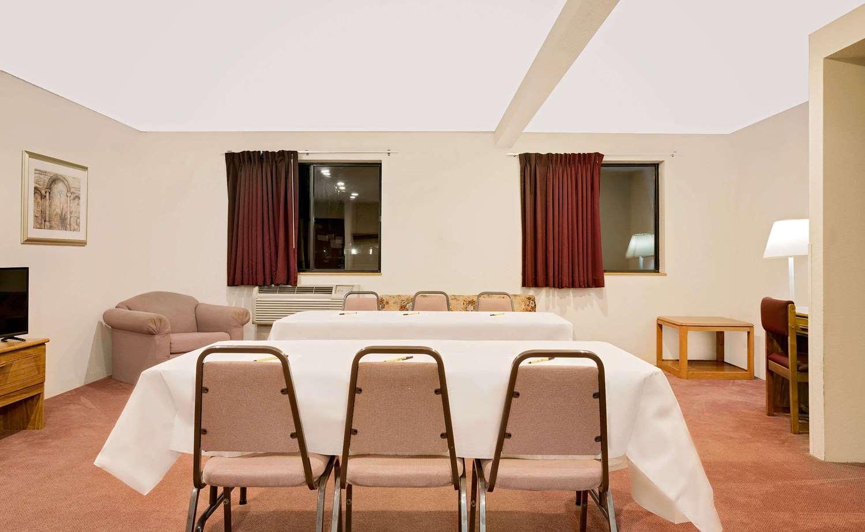Meeting Facilities - Super 8 Hotel Long Prairie