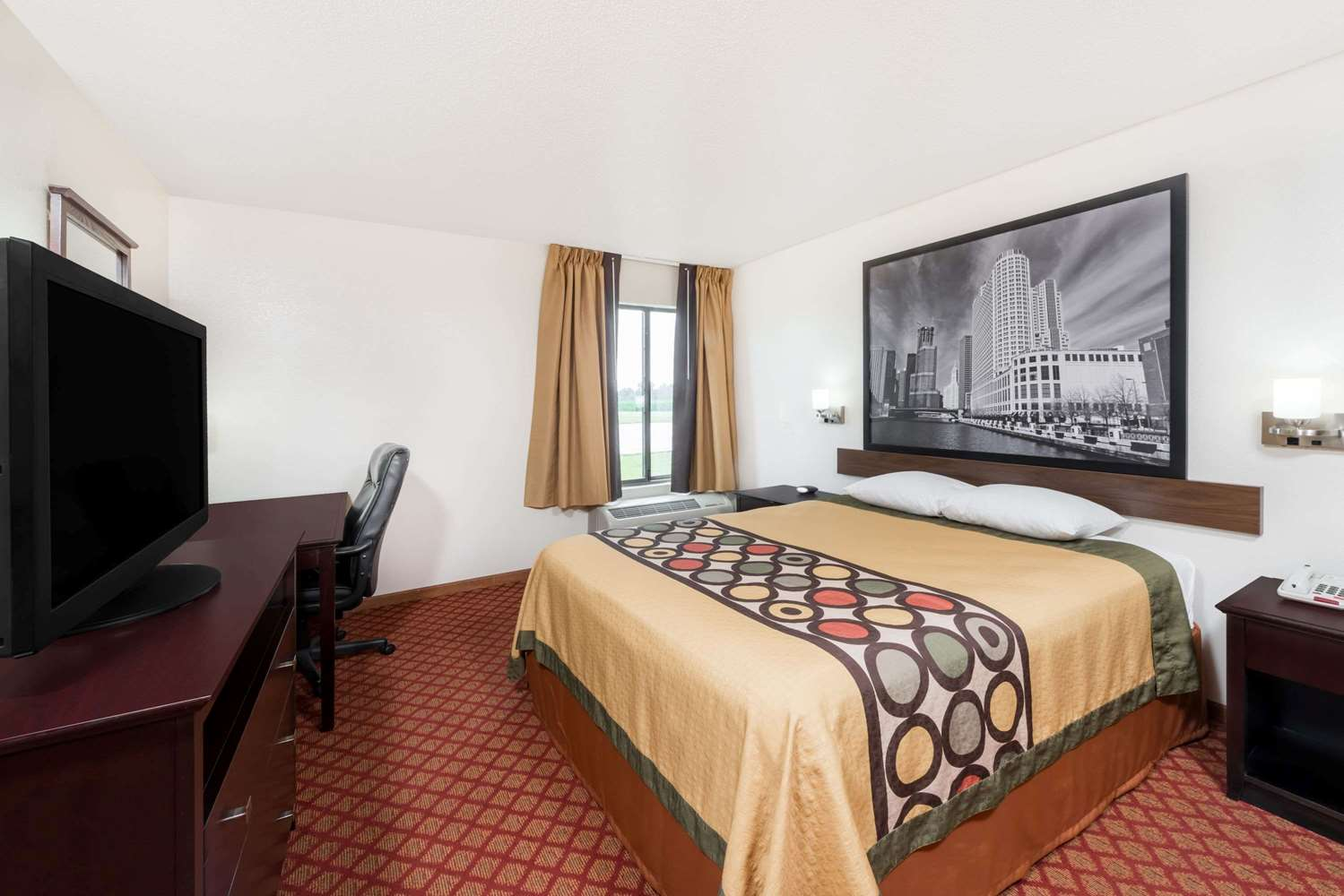 Room - Super 8 Hotel Marshall